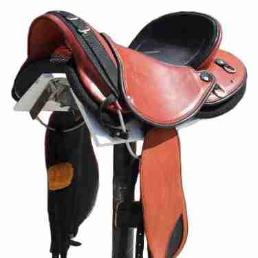 Endurance Saddle, chestnut black accents